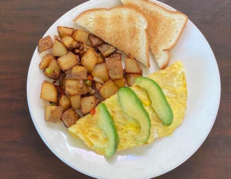 Omelette-con-palta.jpg